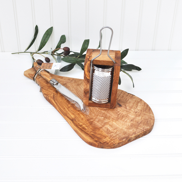 Olive Wood Cheese Lovers Gift Set